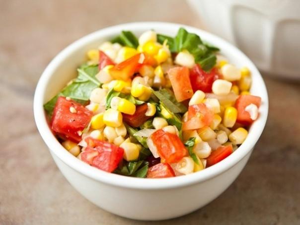 Basil corn salad