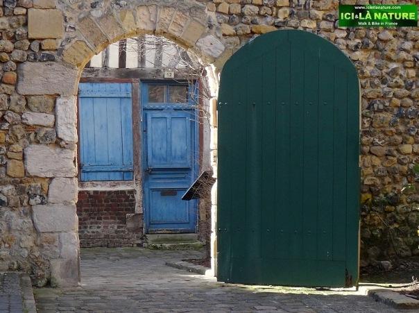 35-honfleur normandy old street